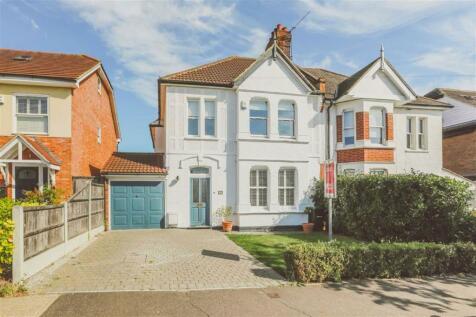 Burnham Road, Leigh-on-sea, Essex. 4 bedroom semi-detached house