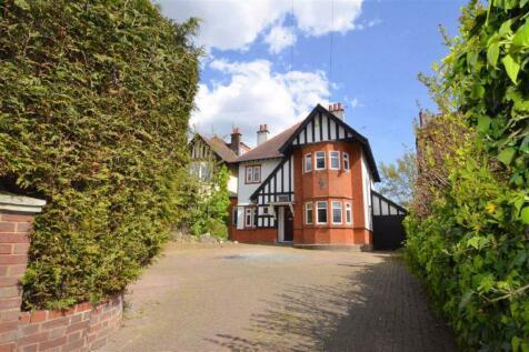 Crowstone Road, Westcliff-on-sea, Essex. 5 bedroom detached house