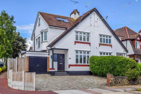 The Crossways, Westcliff-on-sea, Essex. 4 bedroom semi-detached house for sale