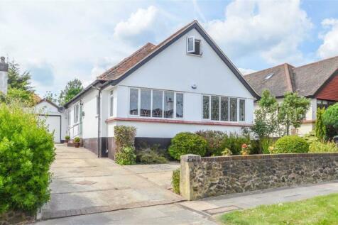 Leasway, Chalkwell, Essex. 4 bedroom detached house