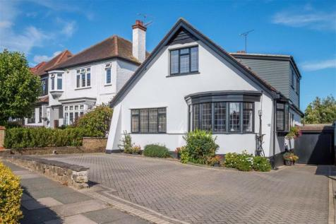 The Drive, Westcliff-on-sea, Essex. 4 bedroom detached house