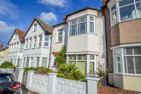 Fairmead Avenue, Westcliff-on-sea, Essex. 4 bedroom terraced house