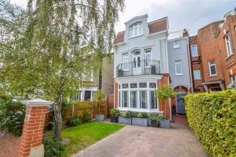 Pembury Road, Westcliff On Sea, Essex. 5 bedroom semi-detached house for sale