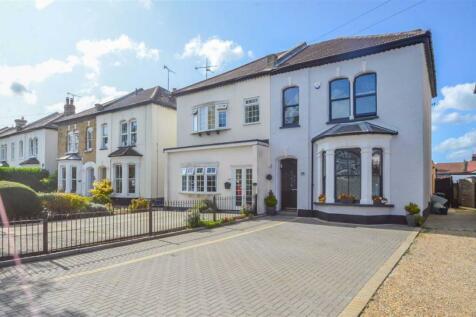 Avenue Road, Westcliff-on-sea, Essex. 4 bedroom semi-detached house