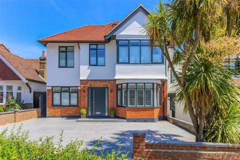 The Drive, Westcliff-on-sea, Essex. 5 bedroom detached house