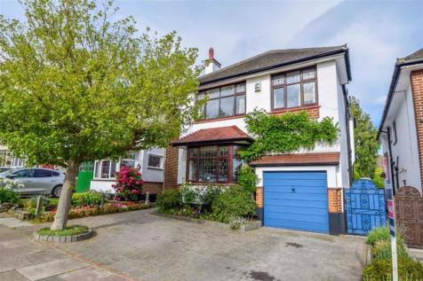 Tattersall Gardens, Leigh-on-sea, Essex. 5 bedroom semi-detached house