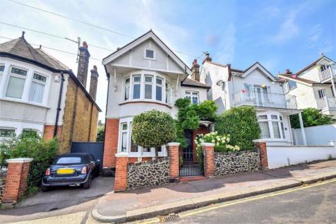 Cliff Road, Leigh-on-sea, Essex. 6 bedroom detached house