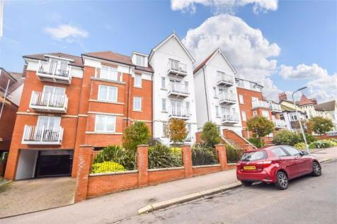 Pembury Road, Westcliff-on-sea, Essex. 3 bedroom flat for sale