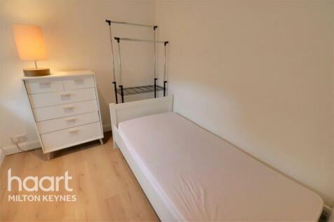 Bransgill Court, Heelands. 1 bedroom house share