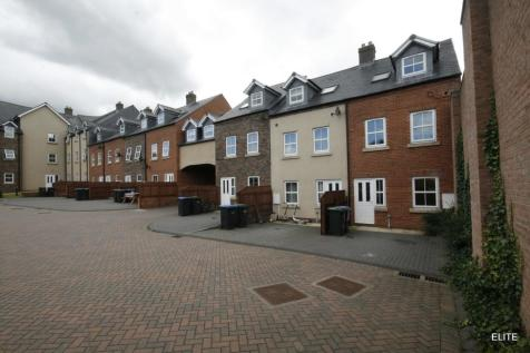 Paxton Court, Pity Me. 4 bedroom town house