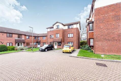 Firle Court, Yeomanry Close, Epsom, KT17. 1 bedroom flat