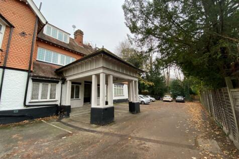 Sunninghill, Downs Avenue, Epsom, KT18. 1 bedroom apartment