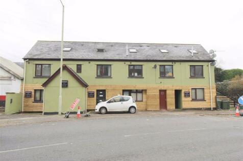 Cardiff Road, Pontypridd. Studio flat