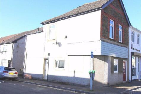 Central Square, Pontypridd. 1 bedroom flat
