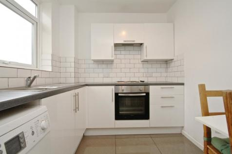Dorrington Court, London, SE25. 2 bedroom flat