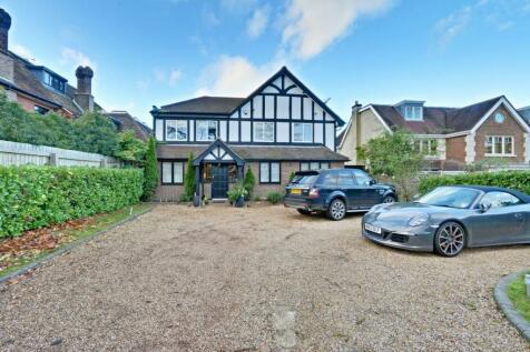 Camlet Way, Hadley Wood, EN4. 4 bedroom detached house for sale