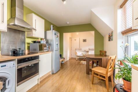 243 Beckenham Road, Beckenham. 1 bedroom flat