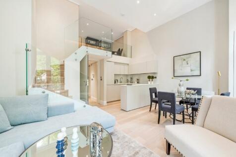 St. Stephens Gardens, London, W2. 3 bedroom apartment