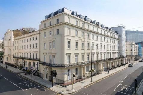 Devonshire Terrace, London, W2. 2 bedroom flat