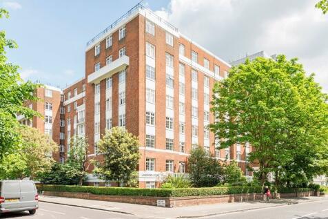 Abbey Road, London, NW8. Studio flat