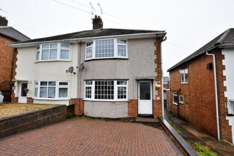 Fenwick Drive, Hillmorton, Rugby. 3 bedroom semi-detached house