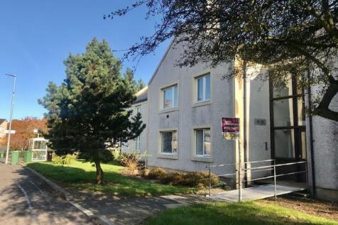 Main Street, The Village, East Kilbride, G74. 2 bedroom flat
