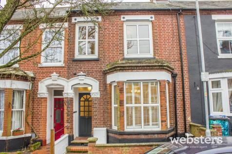 Wood Street, Norwich NR1. 3 bedroom terraced house