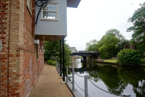 Bluemill, Paper Mill Yard. 2 bedroom penthouse