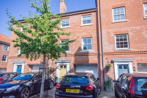 Kilderkin Way, Norwich NR1. 4 bedroom town house