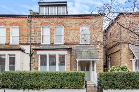 Finsbury Park Road, N4 2JX. 3 bedroom apartment for sale