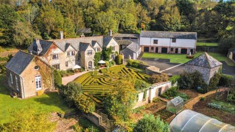 Kingsbridge, Devon, TQ7. 8 bedroom manor house for sale