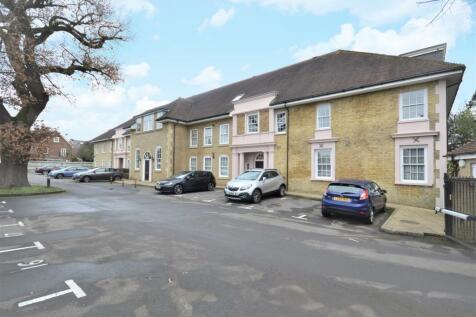 Brighton Road, Banstead. 2 bedroom flat for sale