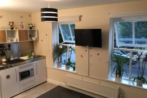 SELF CONTAINED DOUBLE ROOM , Chamberlayne Avenue. 1 bedroom house share