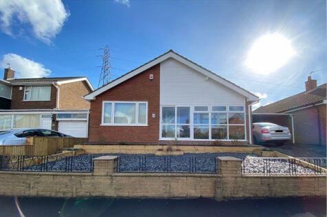 DUDLEY, Scotts Green Close. 3 bedroom detached bungalow for sale
