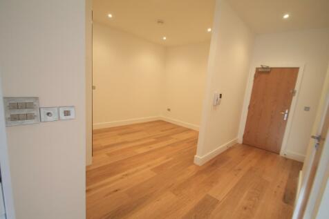 Park Street West, LUTON. Studio apartment