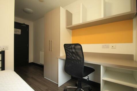 Chapel Street, LUTON. Studio flat