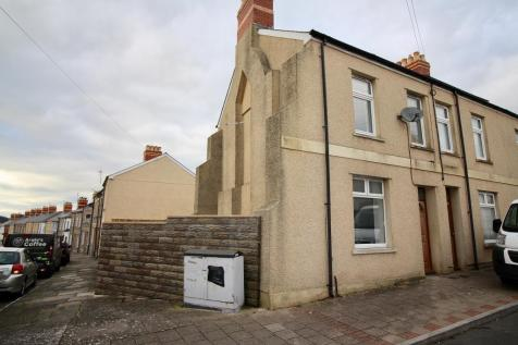 Salop Place, Penarth, CF64 1HP. 2 bedroom end of terrace house