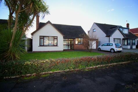 Robinswood Close, Penarth, Penarth, CF64 3JG. 3 bedroom detached bungalow
