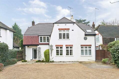 St. Georges Avenue, Weybridge, Surrey, KT13. 4 bedroom detached house