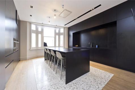 Roland Mansions, Old Brompton Road, London, SW7. 4 bedroom apartment