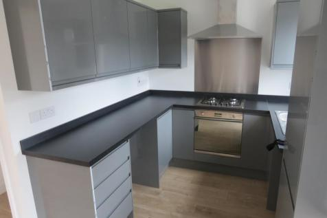 Maytree Crescent, WATFORD. 3 bedroom house