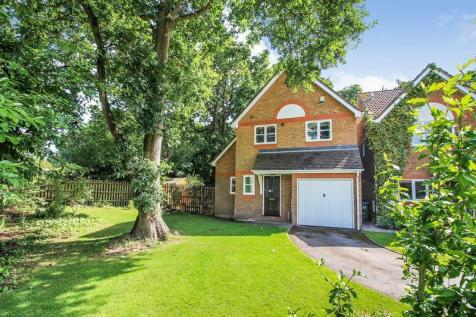 Moorland Close, Locks Heath. 3 bedroom detached house