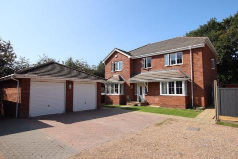 Addison Road, Sarisbury Green. 5 bedroom detached house