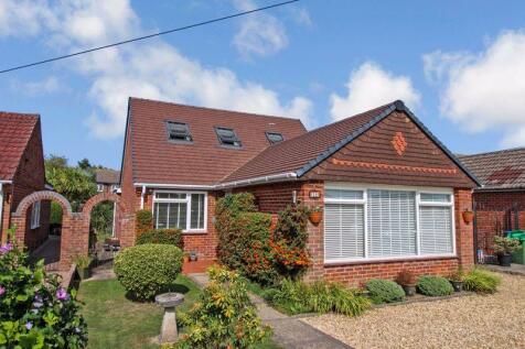 Netley Road, Titchfield Common. 4 bedroom bungalow