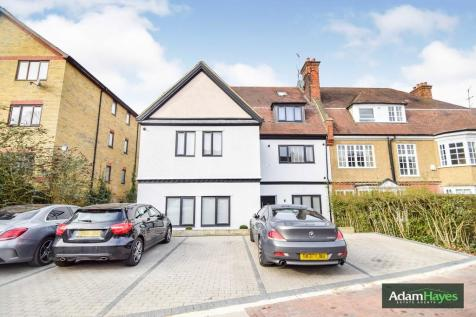 Nether Street, West Finchley, N12. 3 bedroom apartment