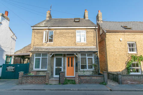 High Street, Swavesey, Cambridge. 2 bedroom semi-detached house