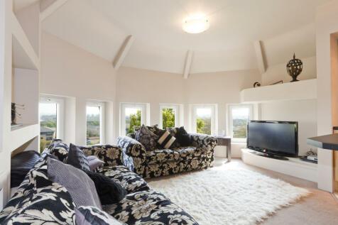 2021/2022 ALL INCLUSIVE 4 LARGE DOUBLE BEDROOM APARTMENT - £145 PER PERSON PER WEEK £628 PER CALENDAR MONTH PER PERSON. 4 bedroom apartment
