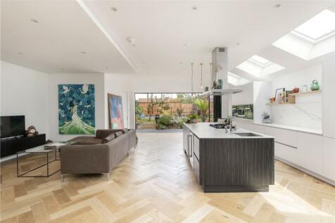 Ellerton Road, London, SW18. 5 bedroom house for sale