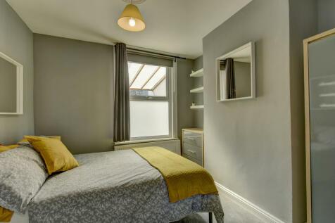 Albemarle Road, Taunton. 5 bedroom house share
