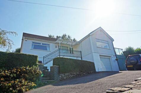 Quakers Yard, Treharris, CF46 5DH. 2 bedroom detached bungalow for sale
